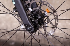 bianchivianirone7allroad-forkdetail